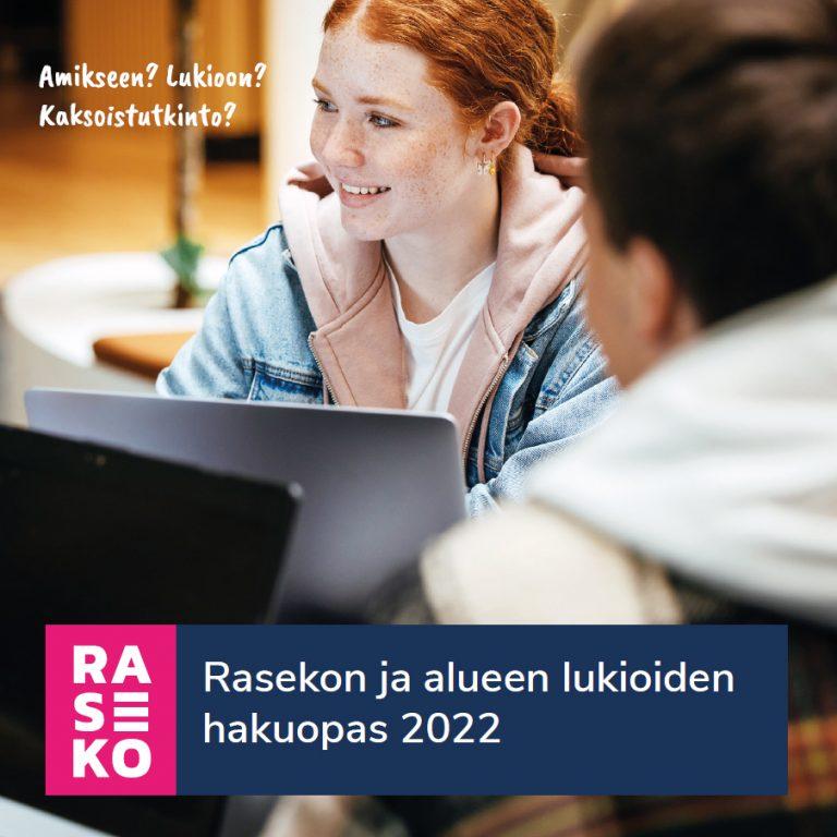 Rasekon ja alueen lukioiden hakuopas 2022. Kansikuvassa kaksi nuorta henkilöä tietokoneiden ääressä. Kuva toimii linkkinä sähköiseen julkaisuun, avautuu uudessa välilehdessä.